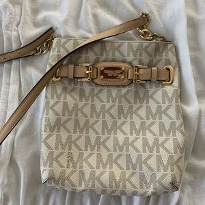 Michael Kors Purse. Perfect condition.